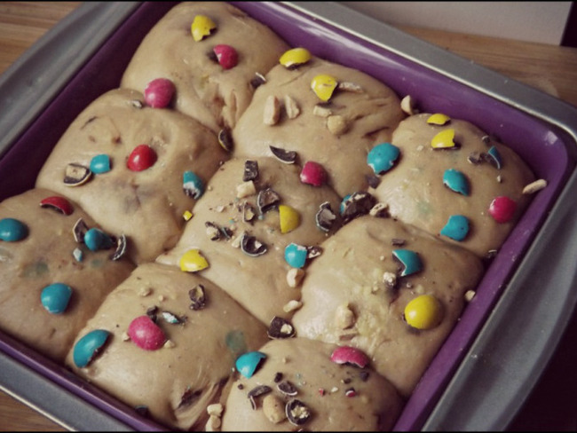 Brioche chocolat et éclats de m&m's