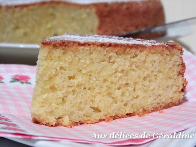 Gâteau au citron, yaourt de brebis et polenta