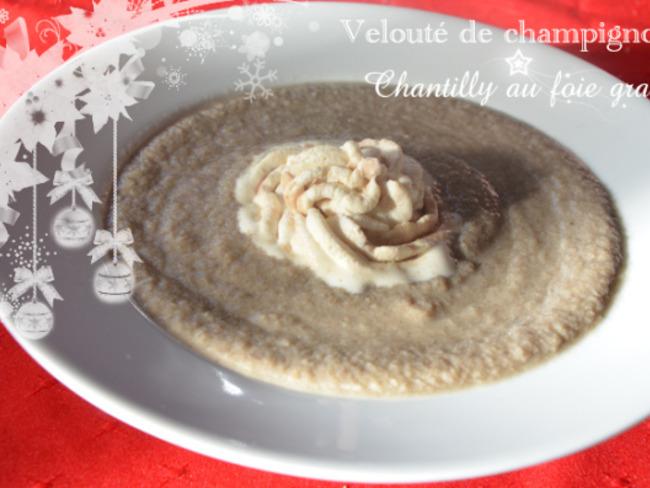 Velouté de champignons chantilly au foie gras