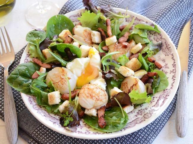 Salade de Saint-Jacques à la lyonnaise