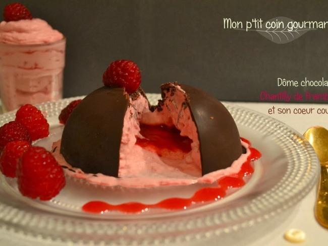 Dôme au chocolat Chantilly de framboises et son coeur coulant
