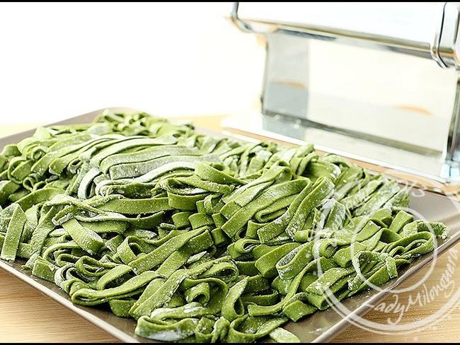 Pâtes fraîches vertes aux épinards