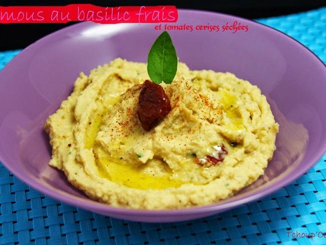 Houmous au basilic frais et aux tomates cerises séchées
