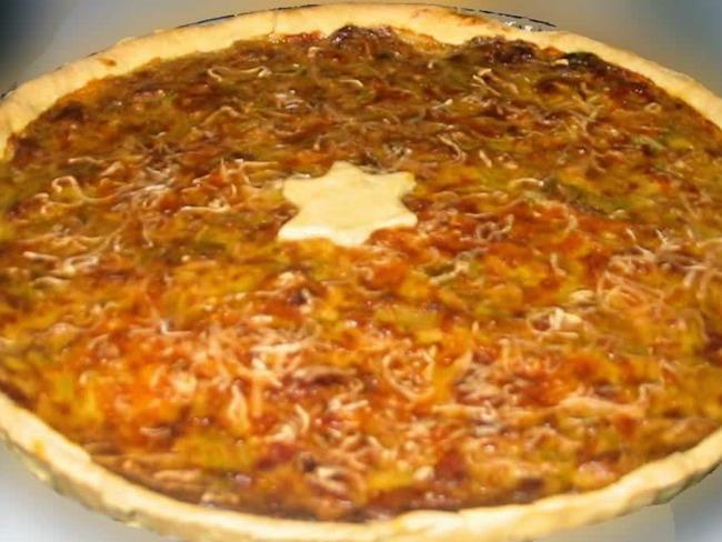 Tarte au fromage d'époisses, lardons, crème