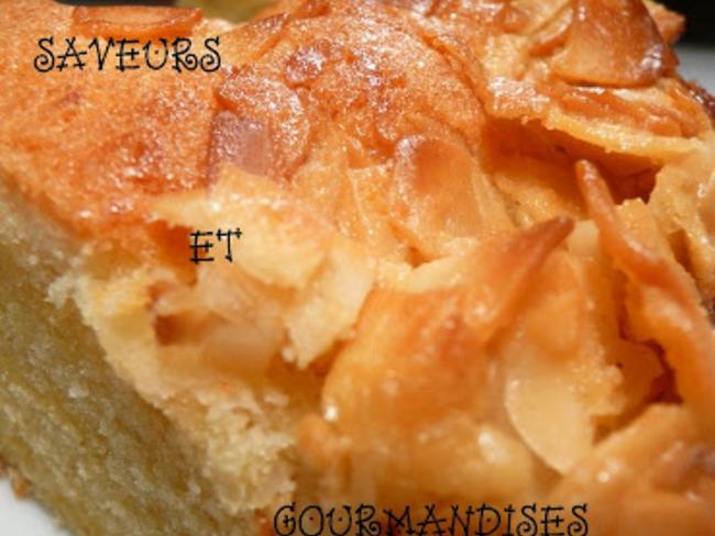 Gâteau aux amandes effilées.