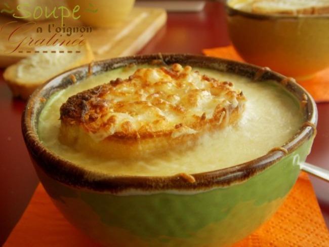 Soupe à l'oignons gratinée