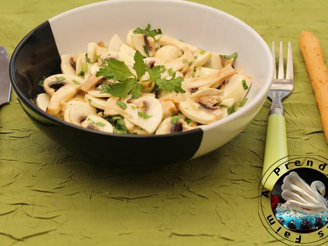 Salade de champignons de Paris - Recette par A Prendre Sans Faim
