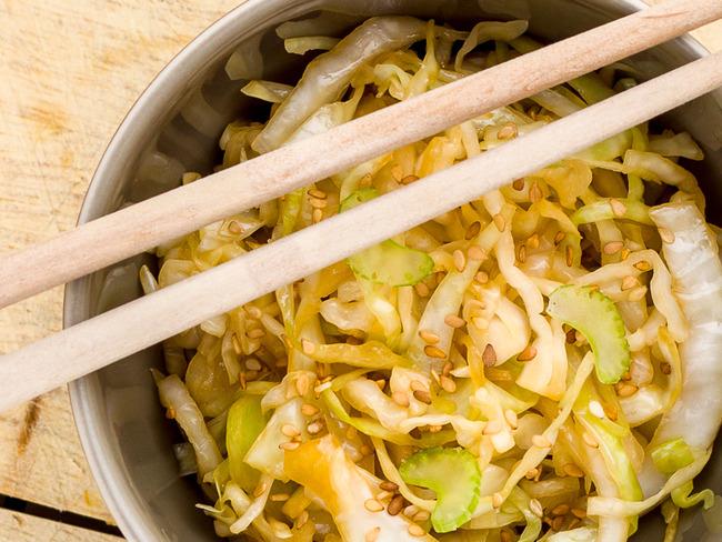 Salade de choux blanc mariné à l'accent japonais