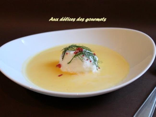 oeufs à la neige aux oeufs de saumon, crème anglaise au parmesan