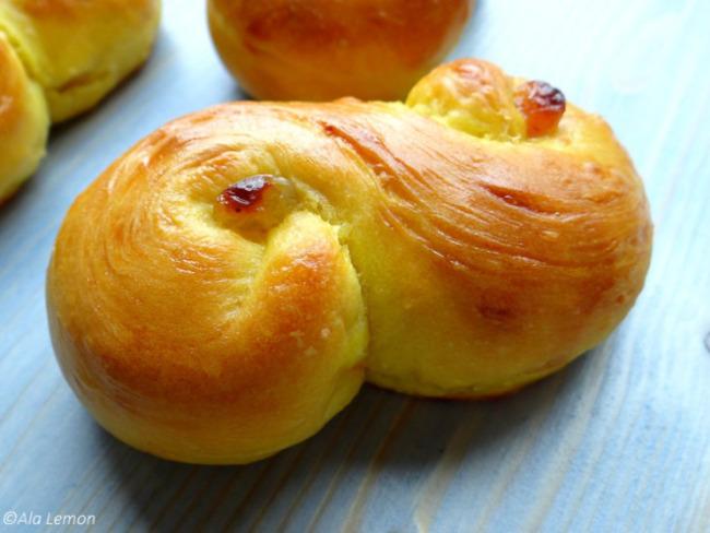 Petits pains au safran de Sainte-Lucie