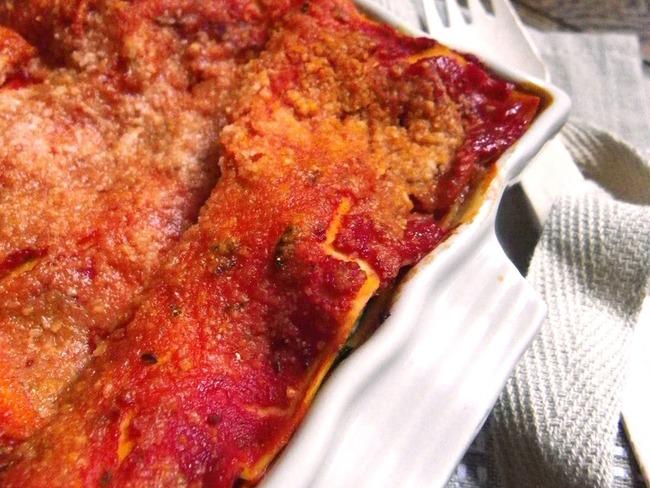 Lasagnes aux épinards, ricotta et sauce tomate