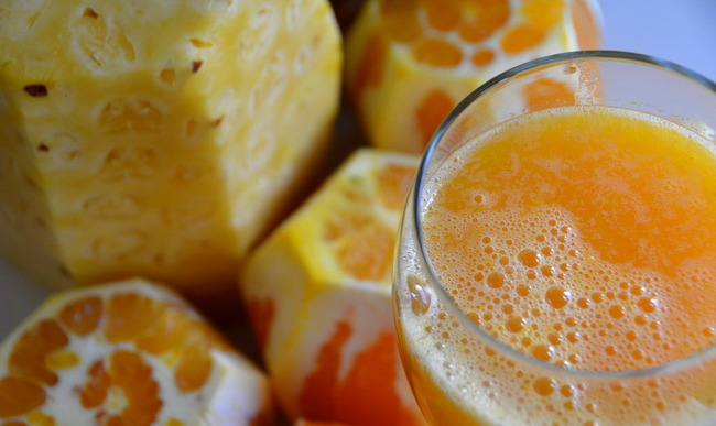 Jus de fruits orange ananas