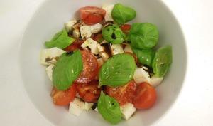 Salade tomate, mozzarella, basilic
