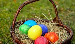 Oeufs de Pâques colorés