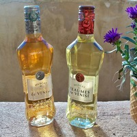 Deux bouteilles de Muscat Beaumes de Venise