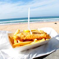 Fish and chips sur la plage