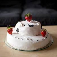 Gâteau décoré avec de la pâte à sucre