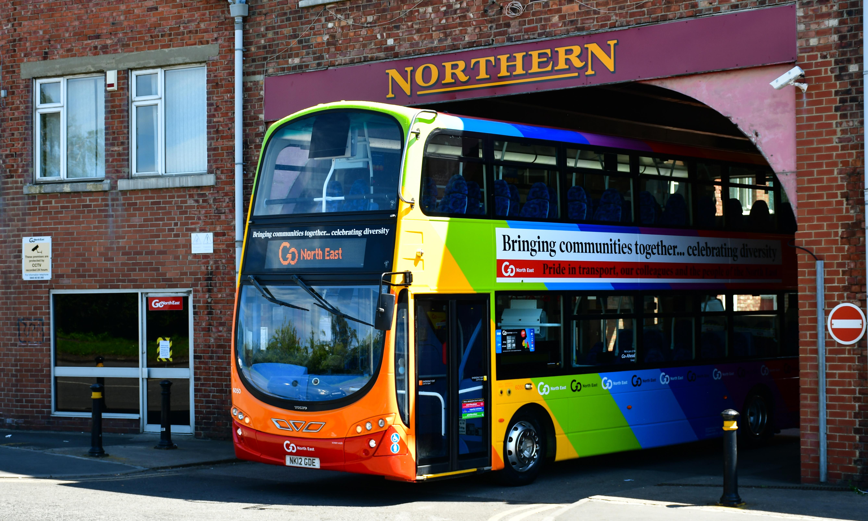 One Team GNE bus - 5