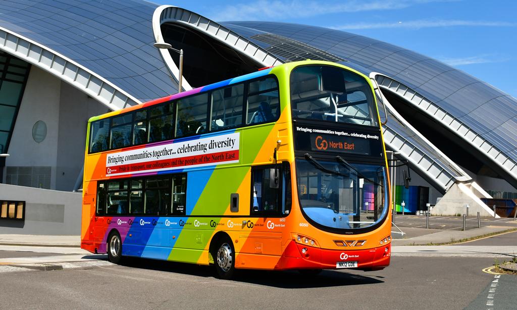 One Team GNE bus