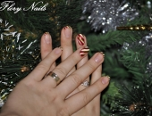 model Candy-cane manicure