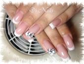 model Di Nails