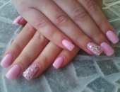 Modele unghii roz