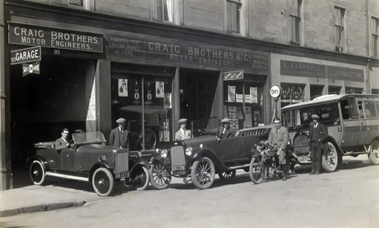 image of Craig Brothers garage in 1920