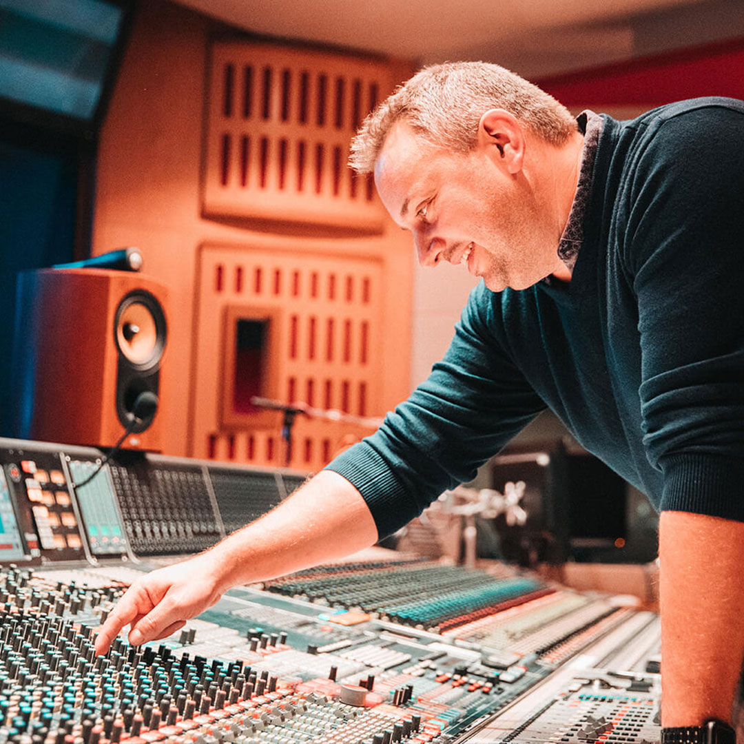 ABBEY ROAD PRODUCTION HUB PRESENTS: BECOMING AN ENGINEER WITH ANDREW DUDMAN, GORDON DAVIDSON & CHRIS BOLSTER