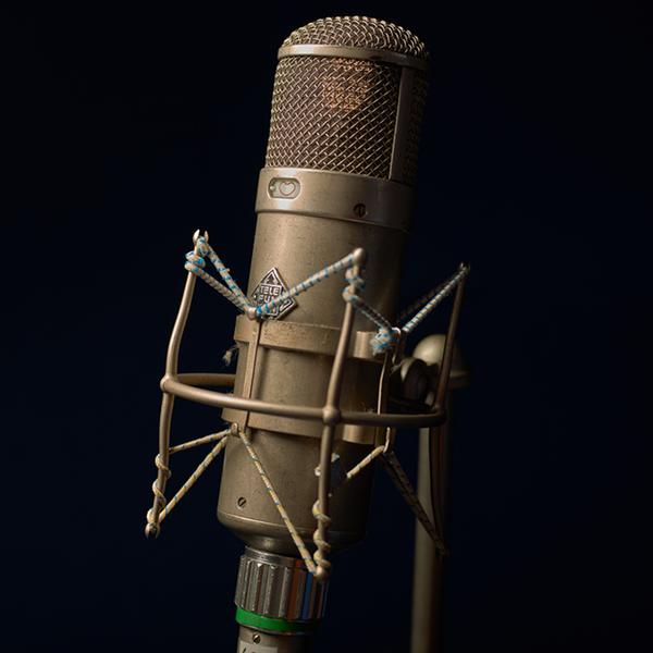 Neumann U47 (1949) / U48 (1957) Microphone