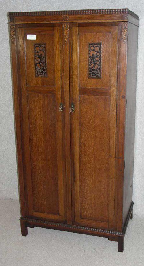 1930s Oak 2 Door Wardrobe