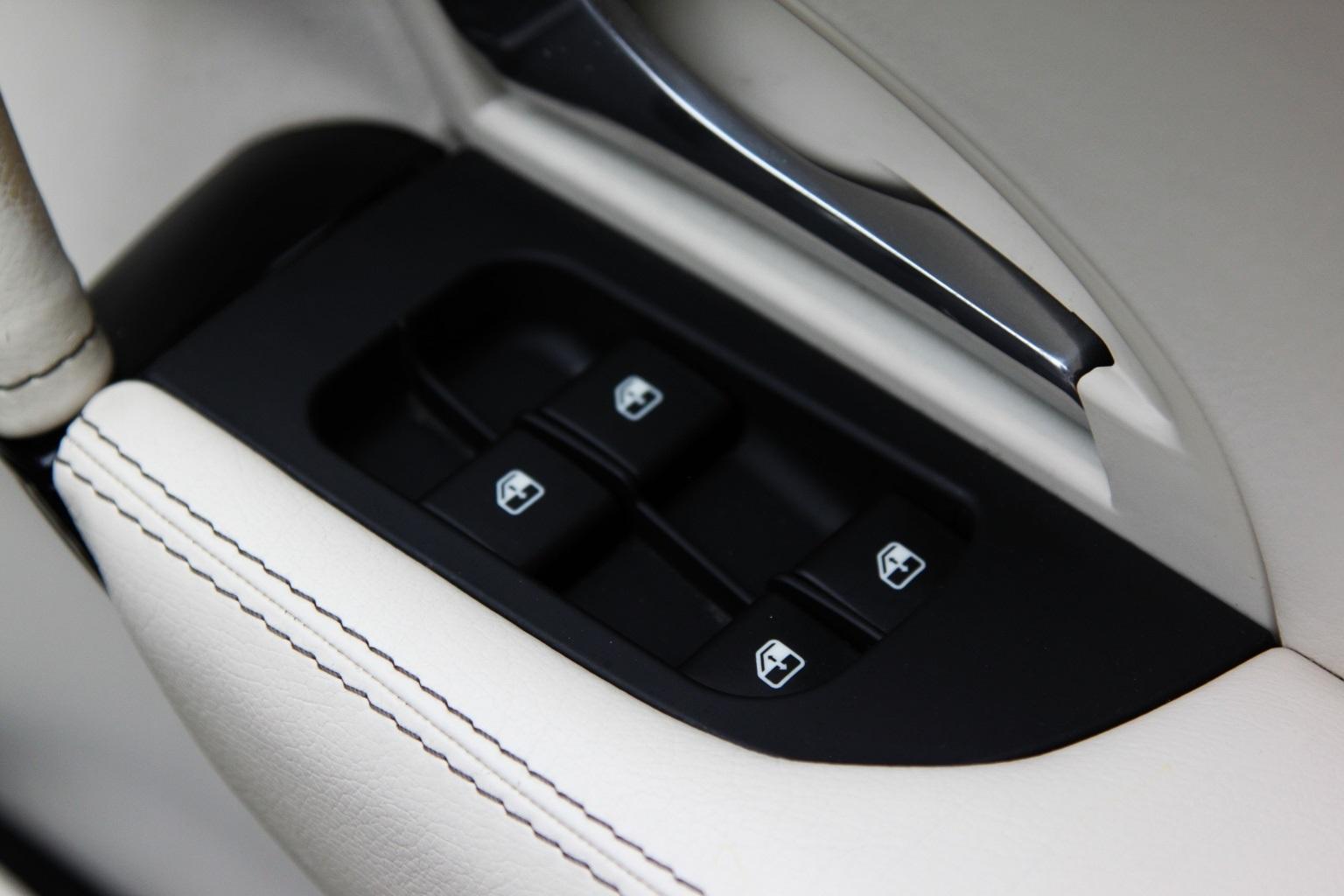 Maserati Grancabrio  Sport - 1 OWNER - 15,000 Miles - Image 29
