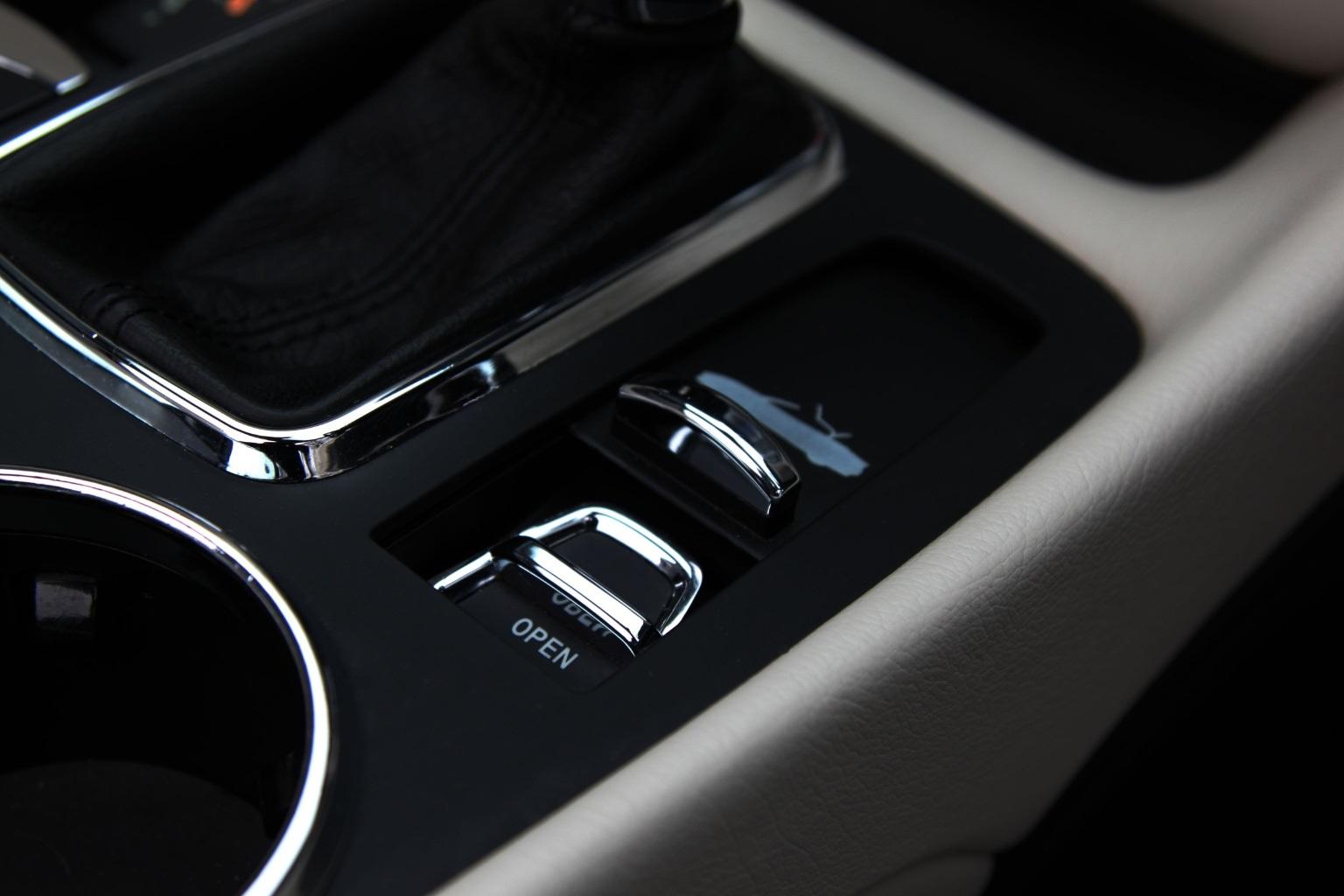 Maserati Grancabrio  Sport - 1 OWNER - 15,000 Miles - Image 26