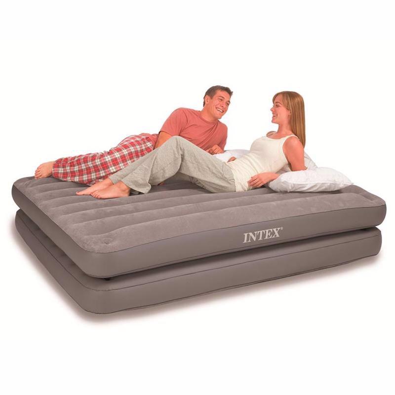 Двуспальная надувная кровать Intex 67744 (152 х 203 х 46 см) 2-IN-1
