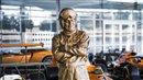 Bruce McLaren statue