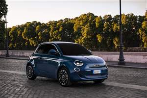 Fiat 500 nets Red Dot gong