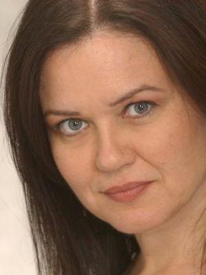 Carolyn Farr