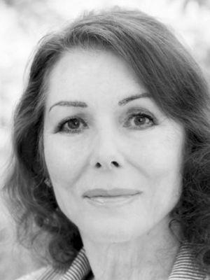 2016 Julie Bevan 8 · By: Stephen Dean