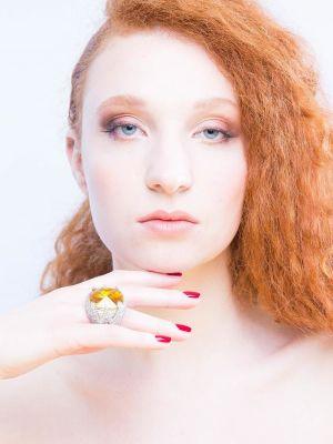 Anna Tes makeup artist