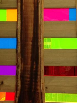 Perspex and Wood · By: Marilo Seco