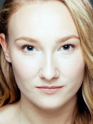 Amy Llewellyn