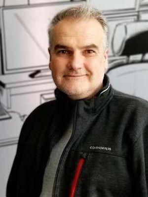 Clive Nicholson