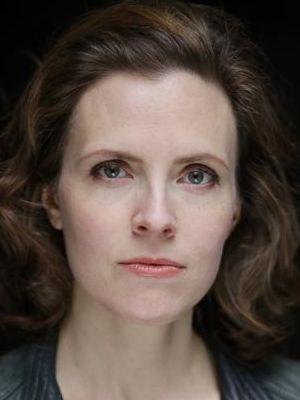 Anne Orvelin Headshot 7
