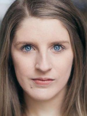 Larissa Oates