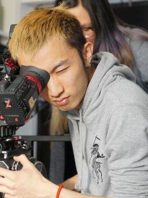 Yichuan Huang