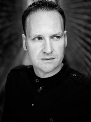 2017 Gavin Brockwell. Headshot Glance · By: Karen Scott