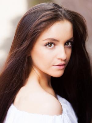 Chloe Falcon