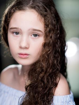 2017 Sophia Aparecido-Innes · By: Robin Savage
