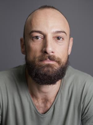2018 Stefano Elfi DiClaudia · By: Renato Pinna