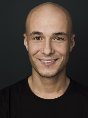 Sert Fetti, Actor