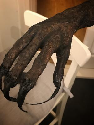 Demon claw for short horror 'Monitor'
